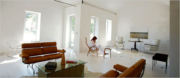 A Contemporary Retreat With a 100-Year-Old Soul